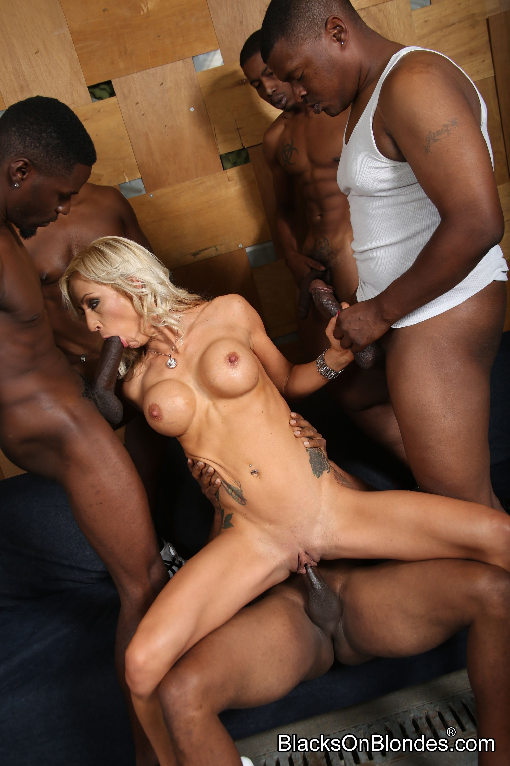 Free pictures hairy girlfriend sex spy wc