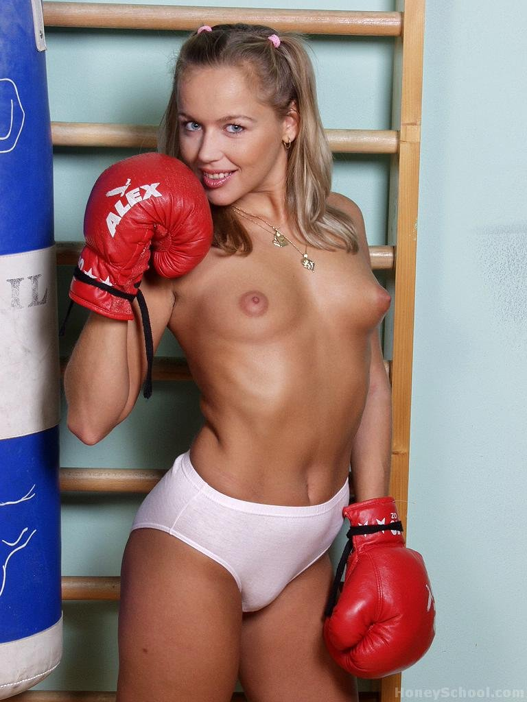 Two insane young chicks fight fully naked inside boxing ring