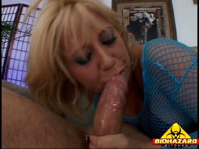 Wife orgasams on a big cock