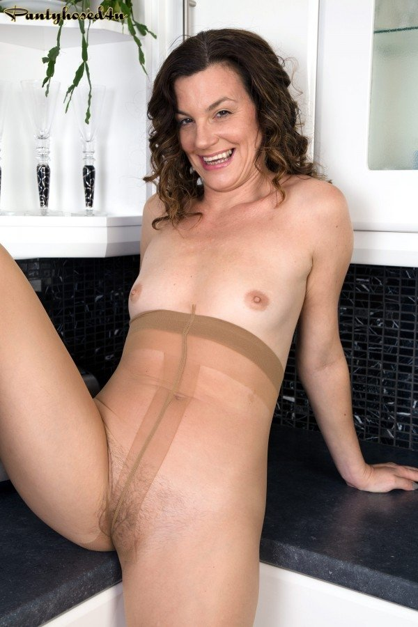 amature milf first anal