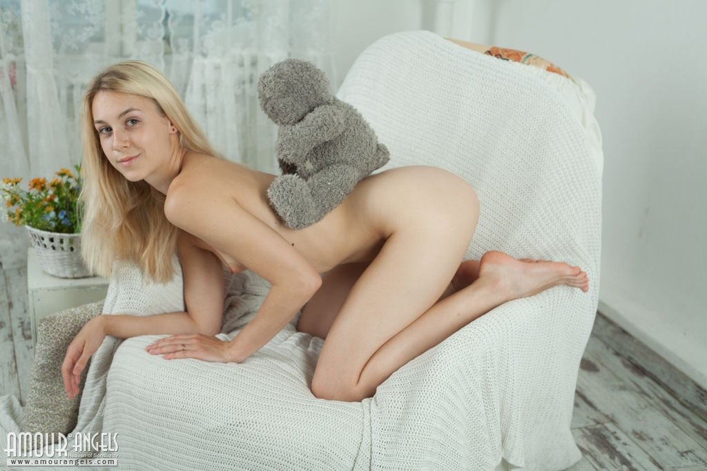 Lesbian babes nude #1