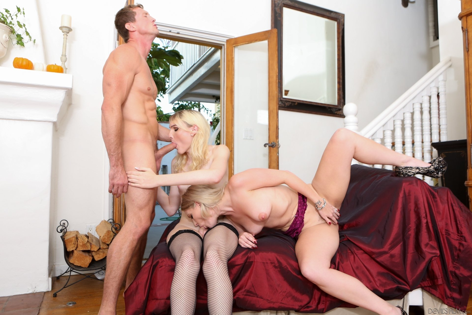 Slut Throats Dick Before Crazy Riding there