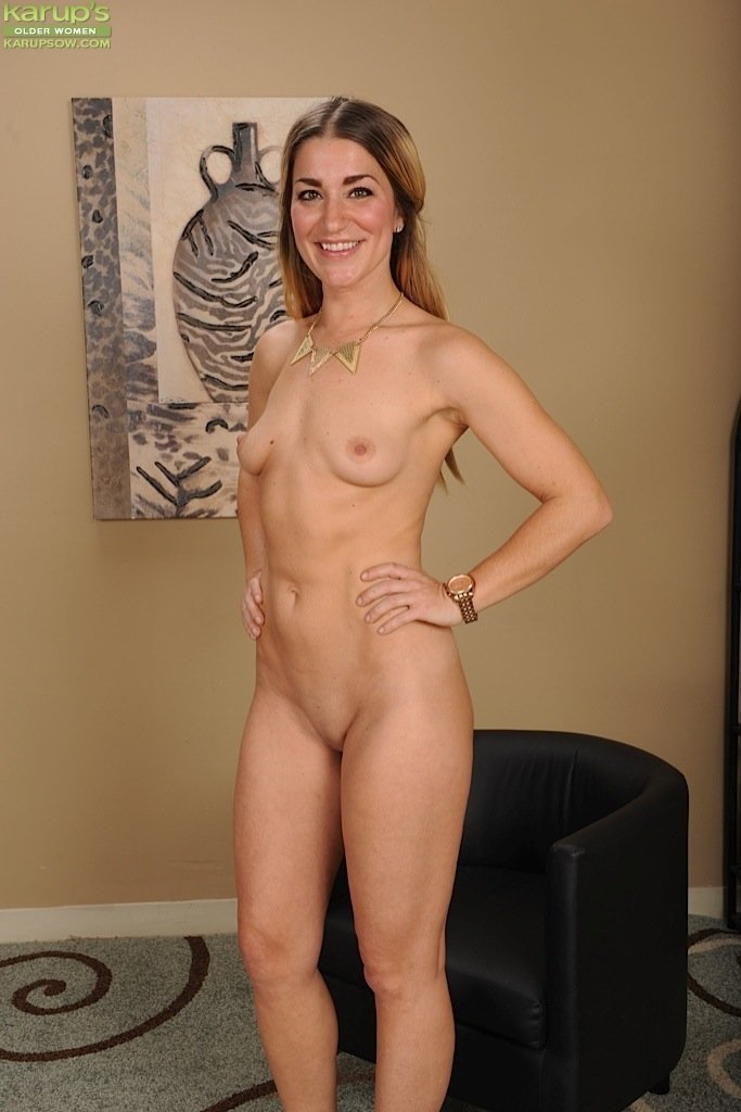 naked mature women standing