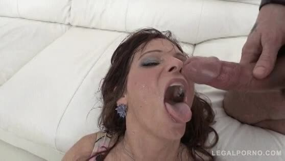 Slut gives a sloppy bj 055 there