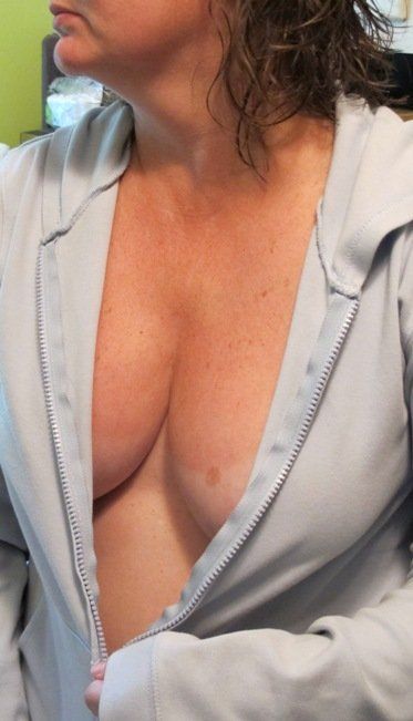 horny naked cougars