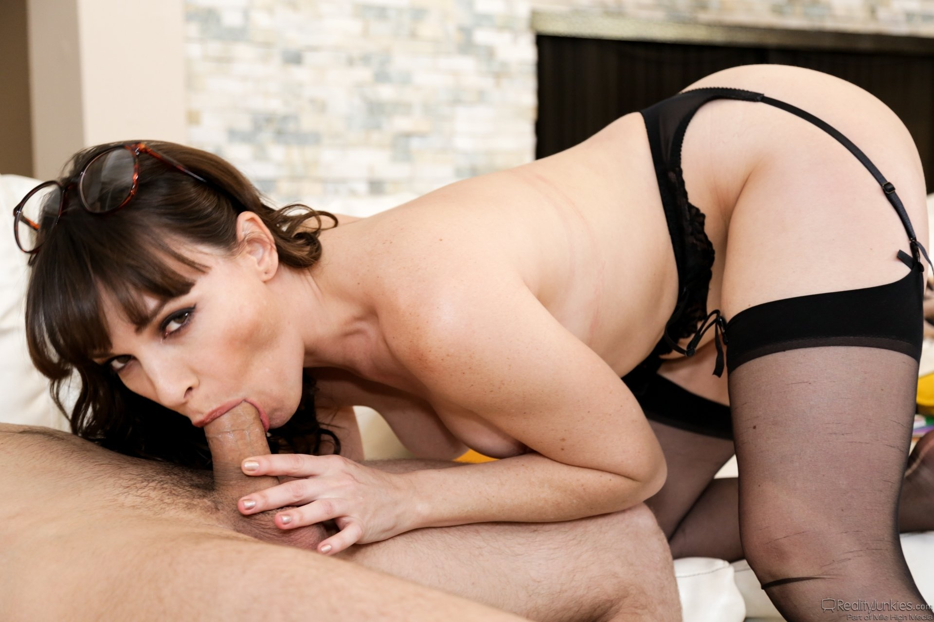 Seal pack chut full hd Small wife taxi