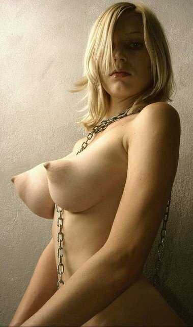 nude women with no tits