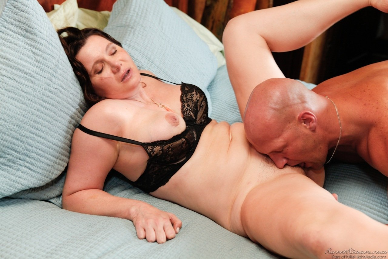 Chunky big titty wife cheating