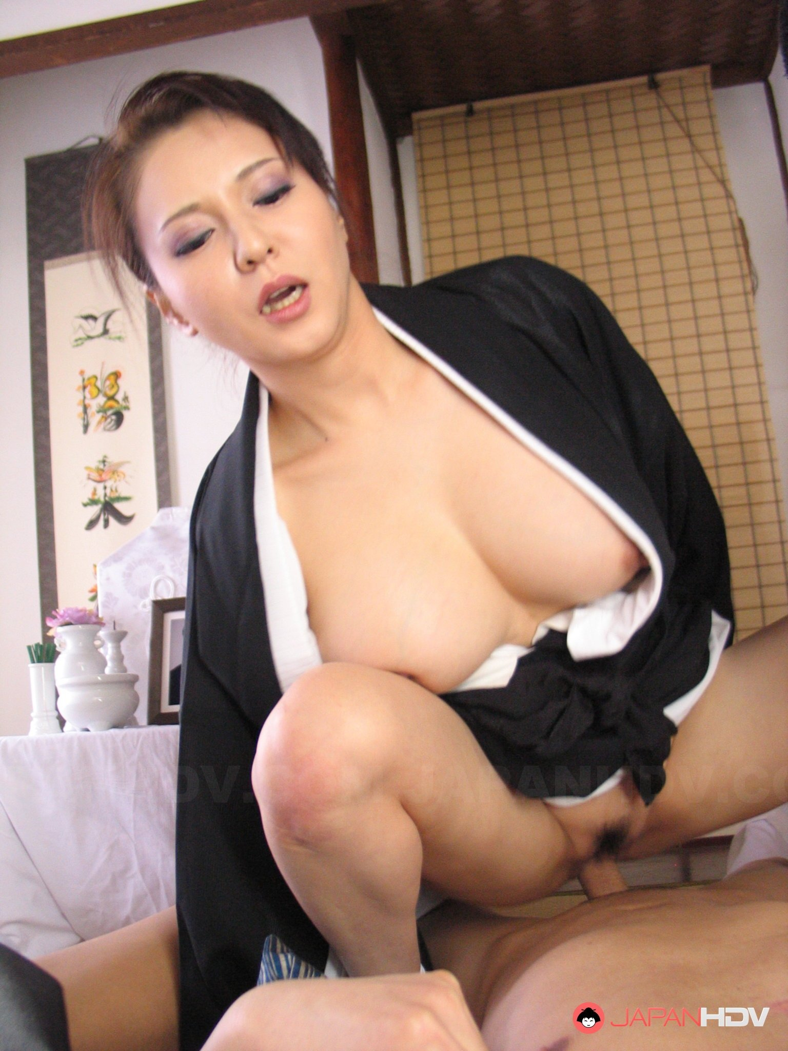 Asian mom wants son to impregnate her