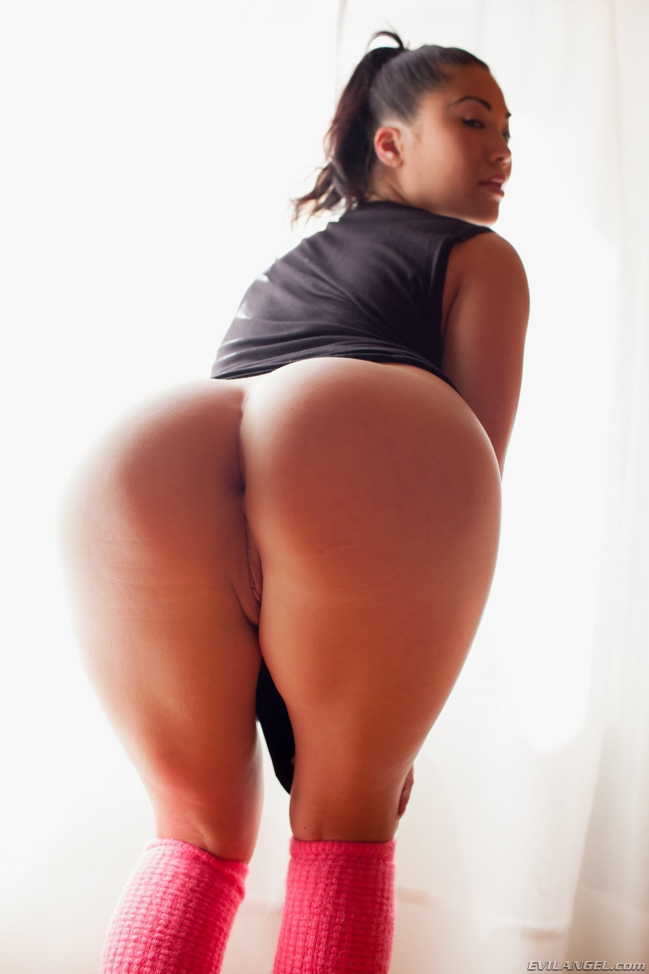 asian-chick-big-ass