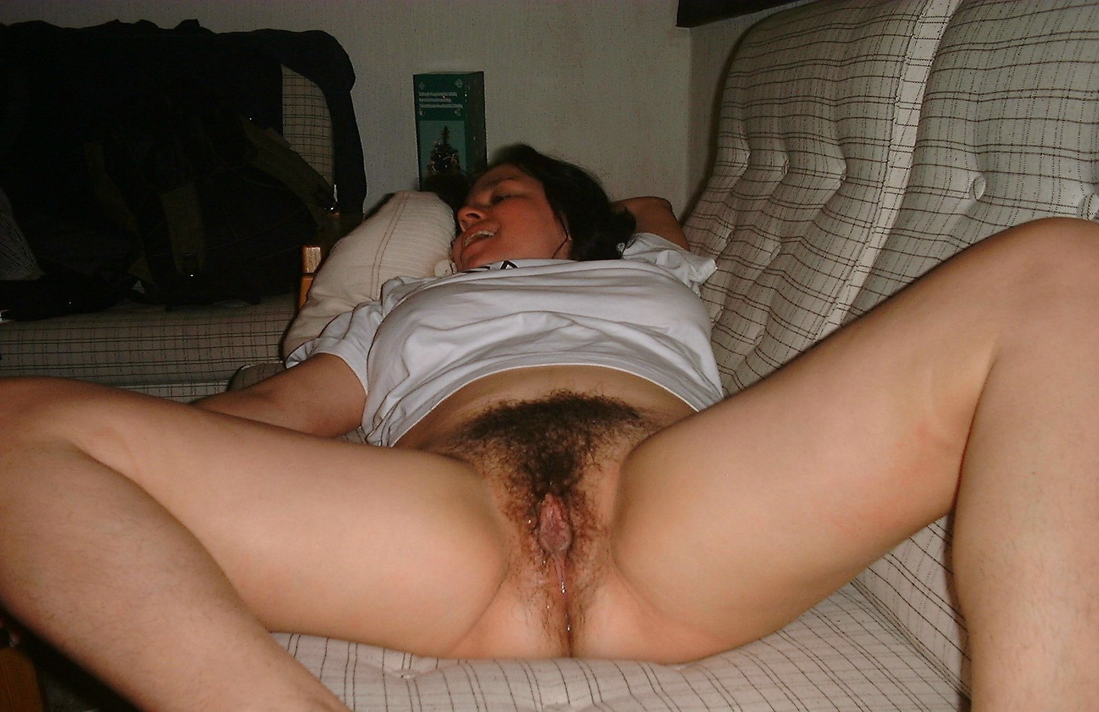 Housewife hookers suck for cash