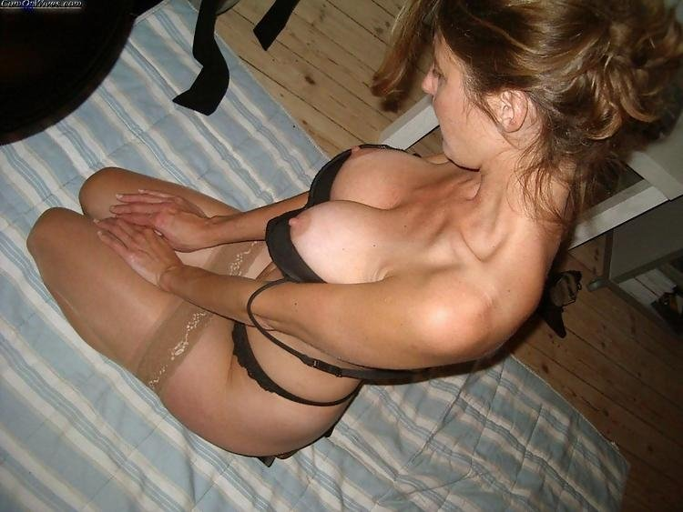 Amature chicks play with guys dick