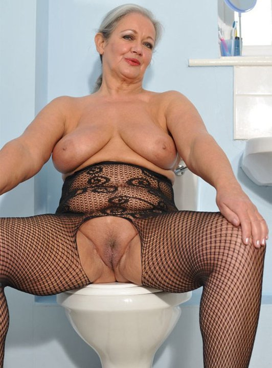 real mature wife cuckold