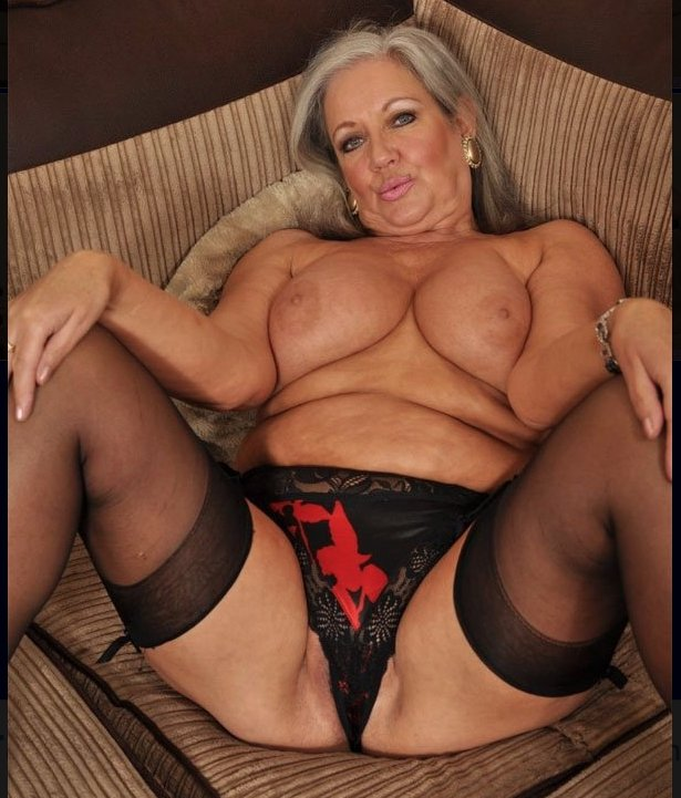 mature mexican women naked