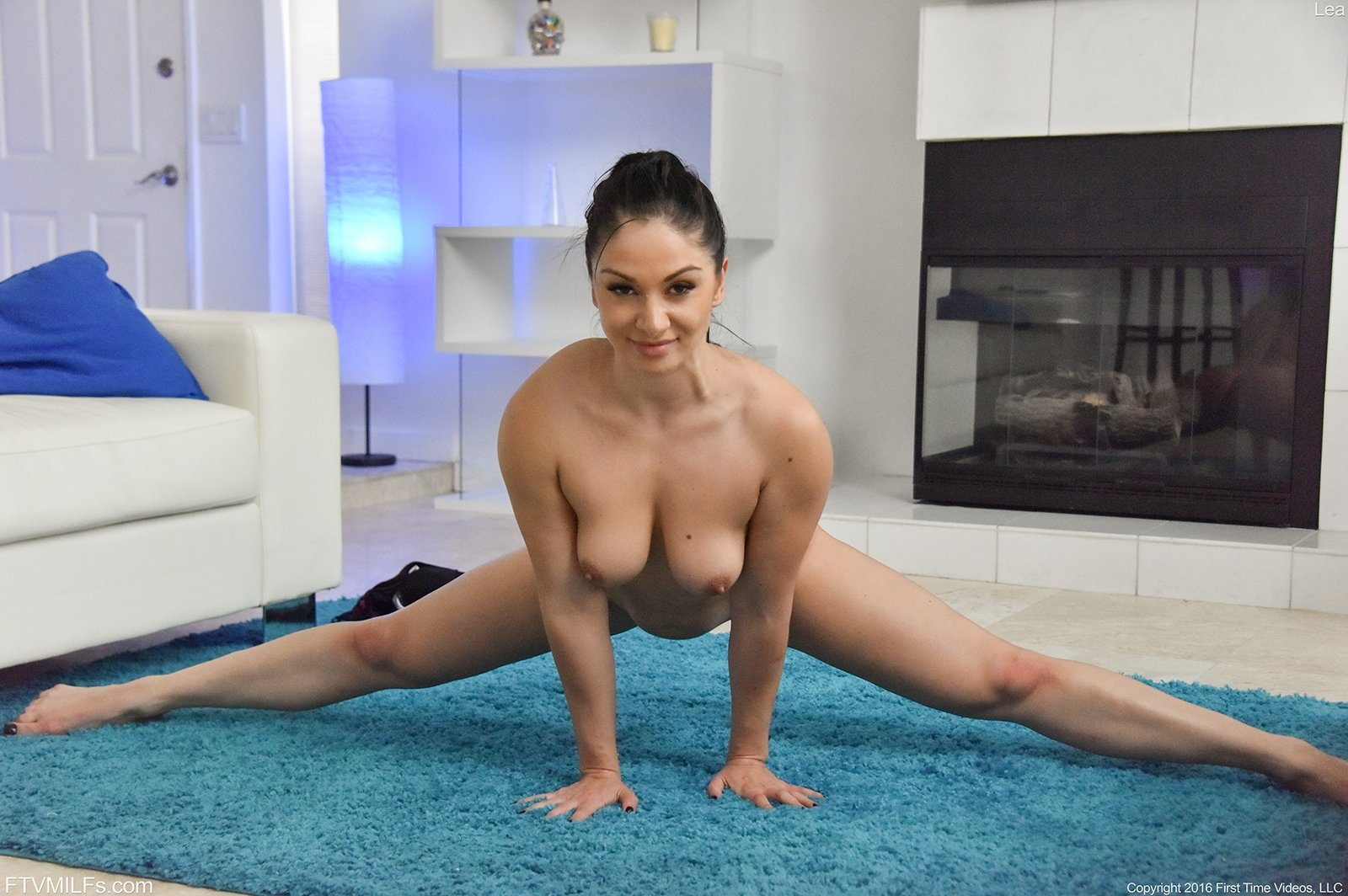 Russian adult video Milf with massive boobs on cam