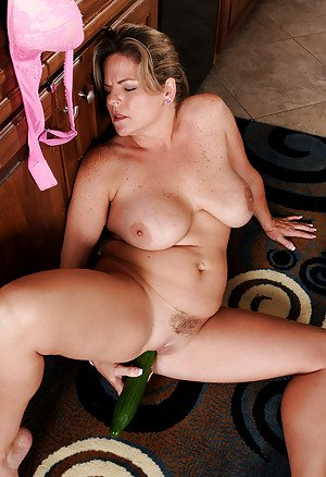 best of free nude granny pictures