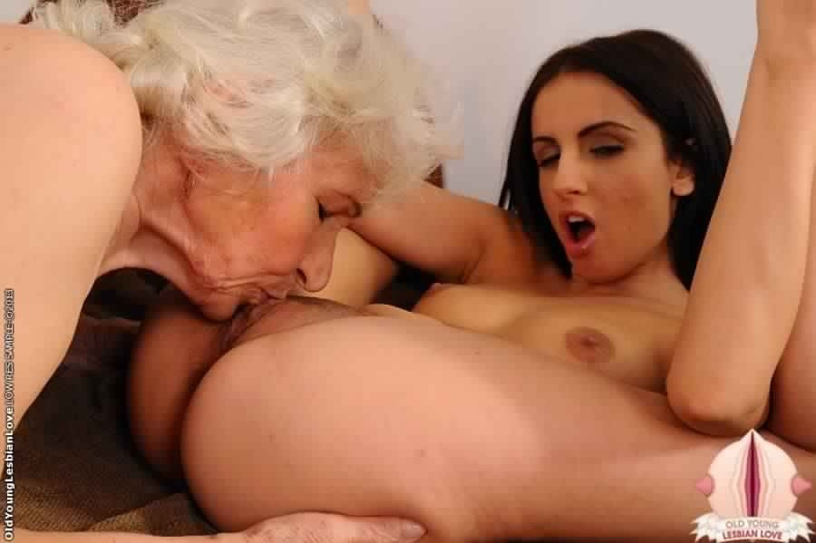 Mature mom big tits