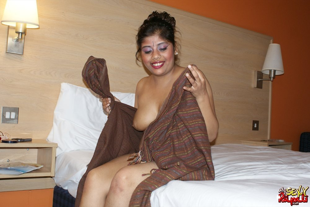 Camoflauge girl blowjob Lindy marion there