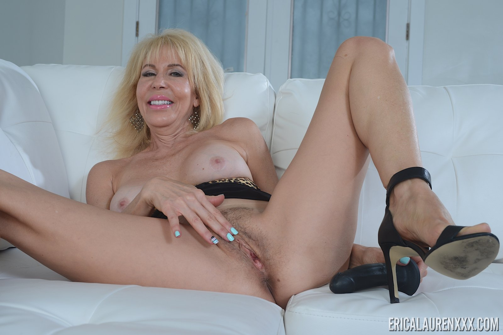 Middle aged housewife xxx videos