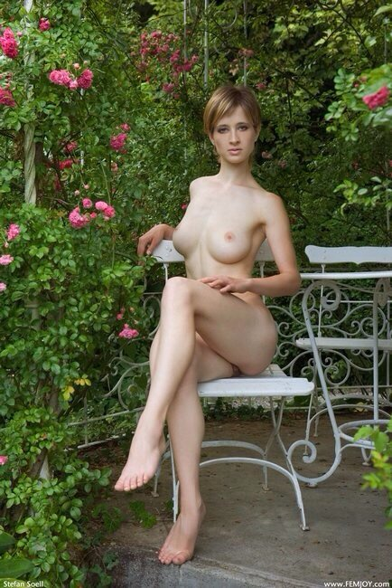 nude mom voyeur add photo