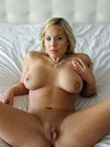 nude sexy women with big tits