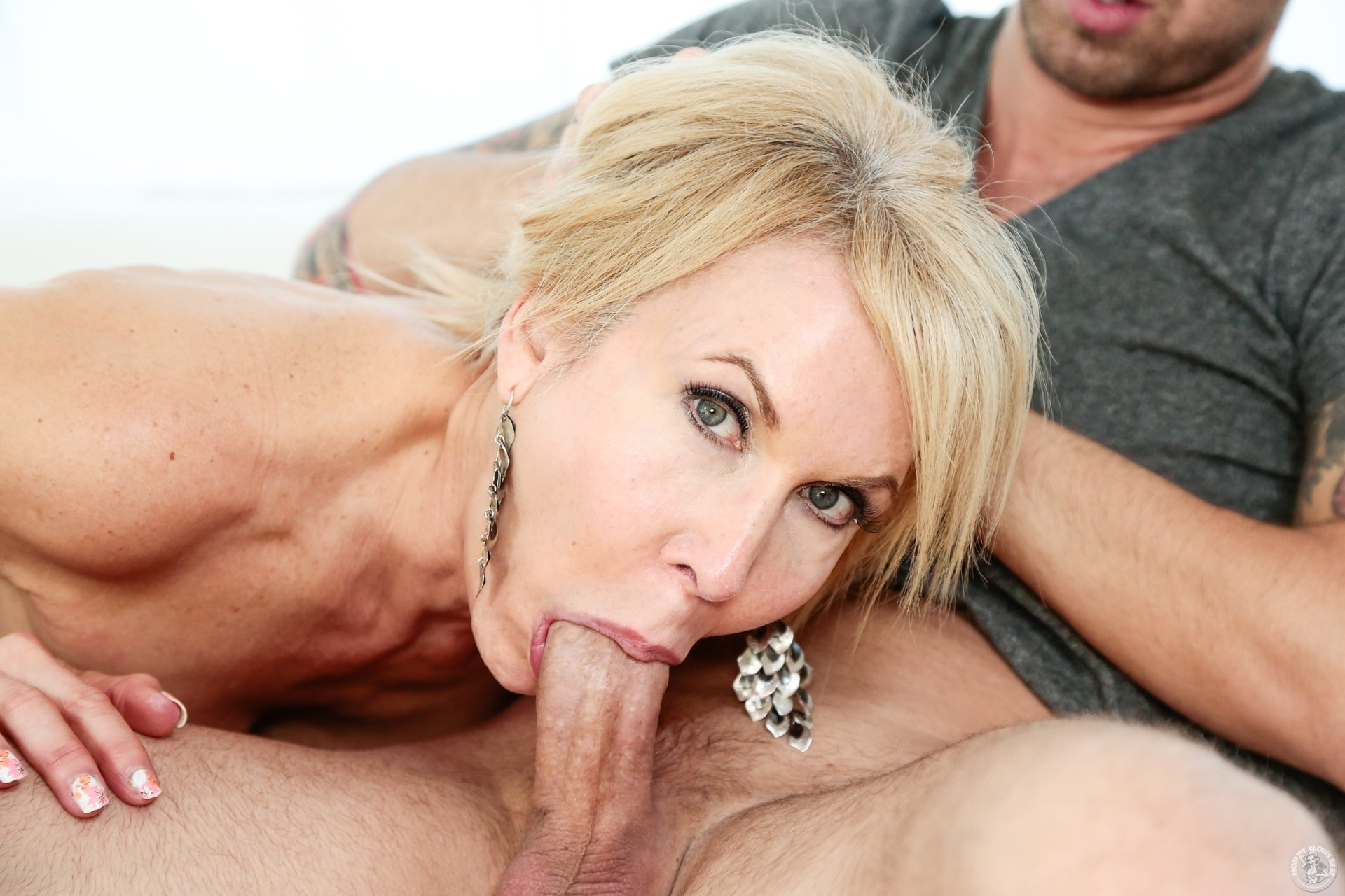 Hot blond mature blowjob