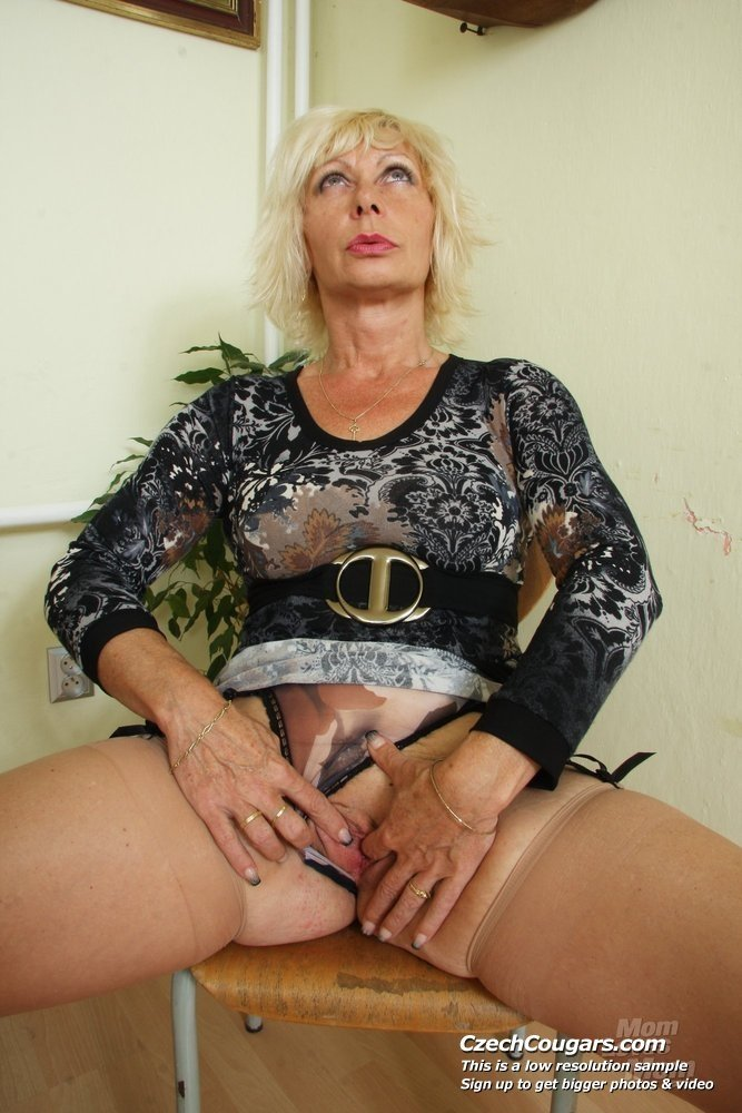 Busty mature sex videos My wife invate stranger