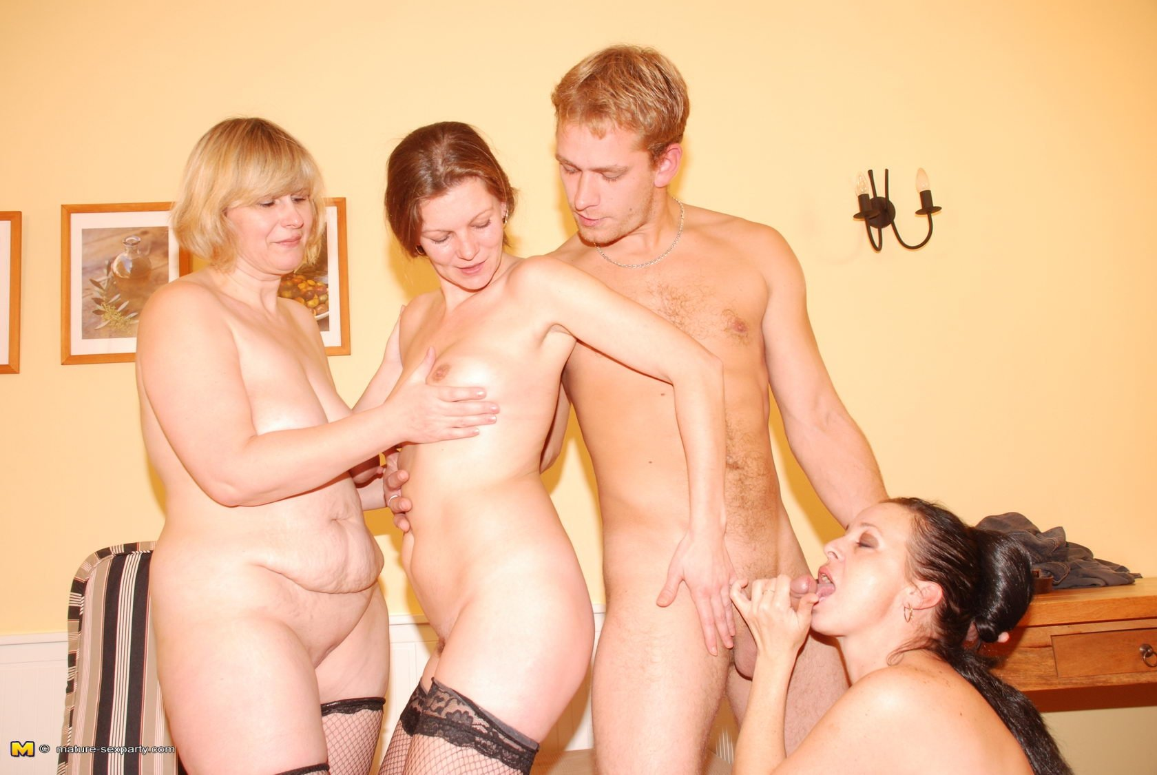 Mature nudes sex parties