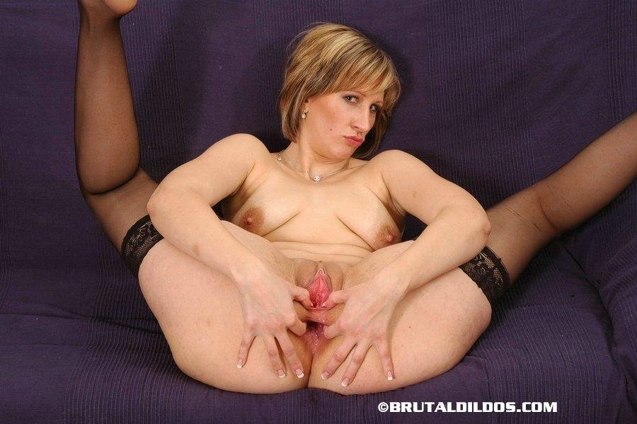 sexy milf solo there