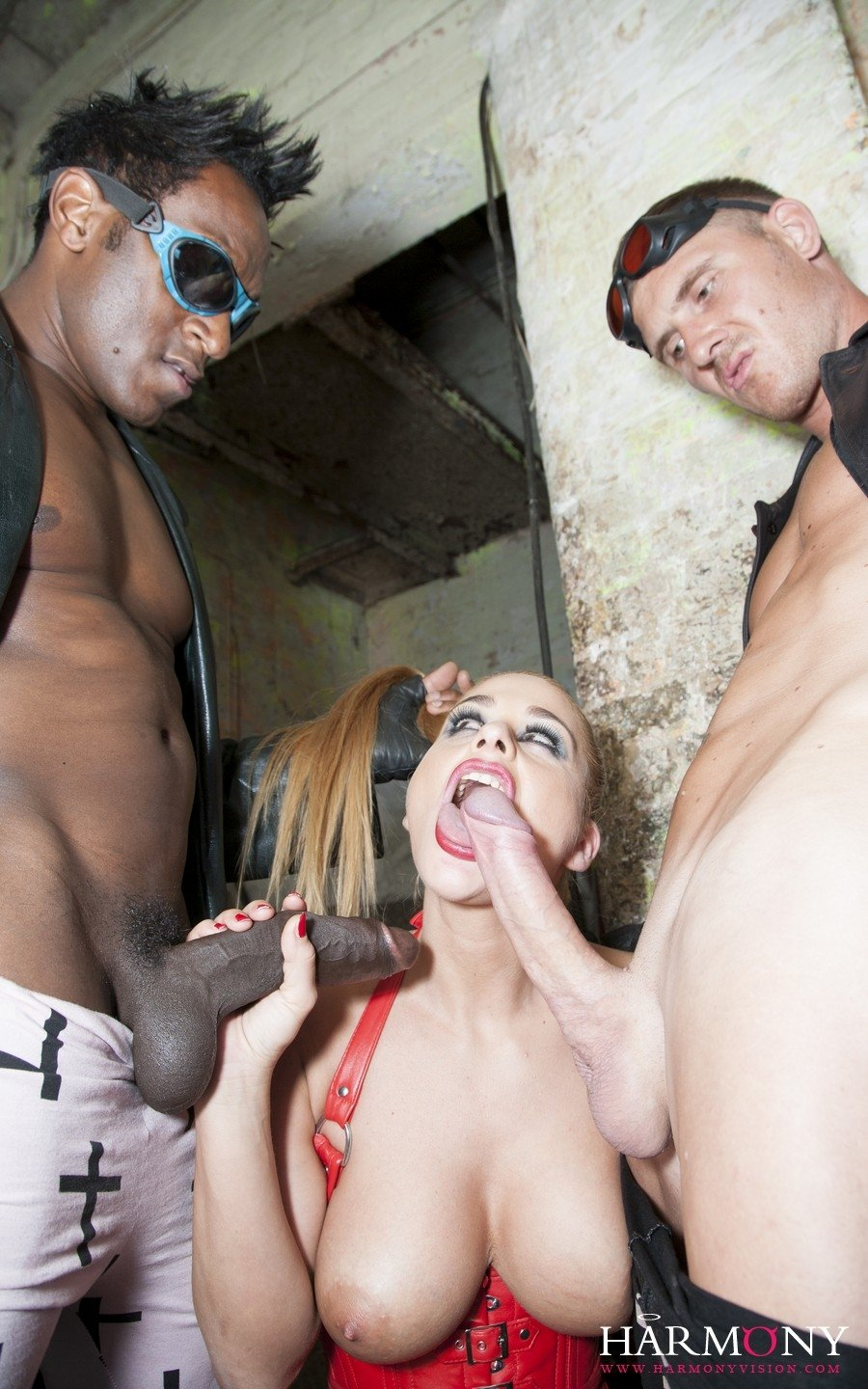 black and white girls sucking dick