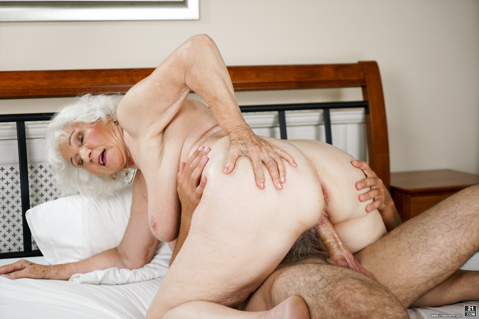 granny-sex-free-download
