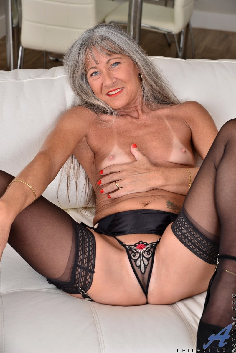 Grannies having anal Man eating wifes pussy till orgasm