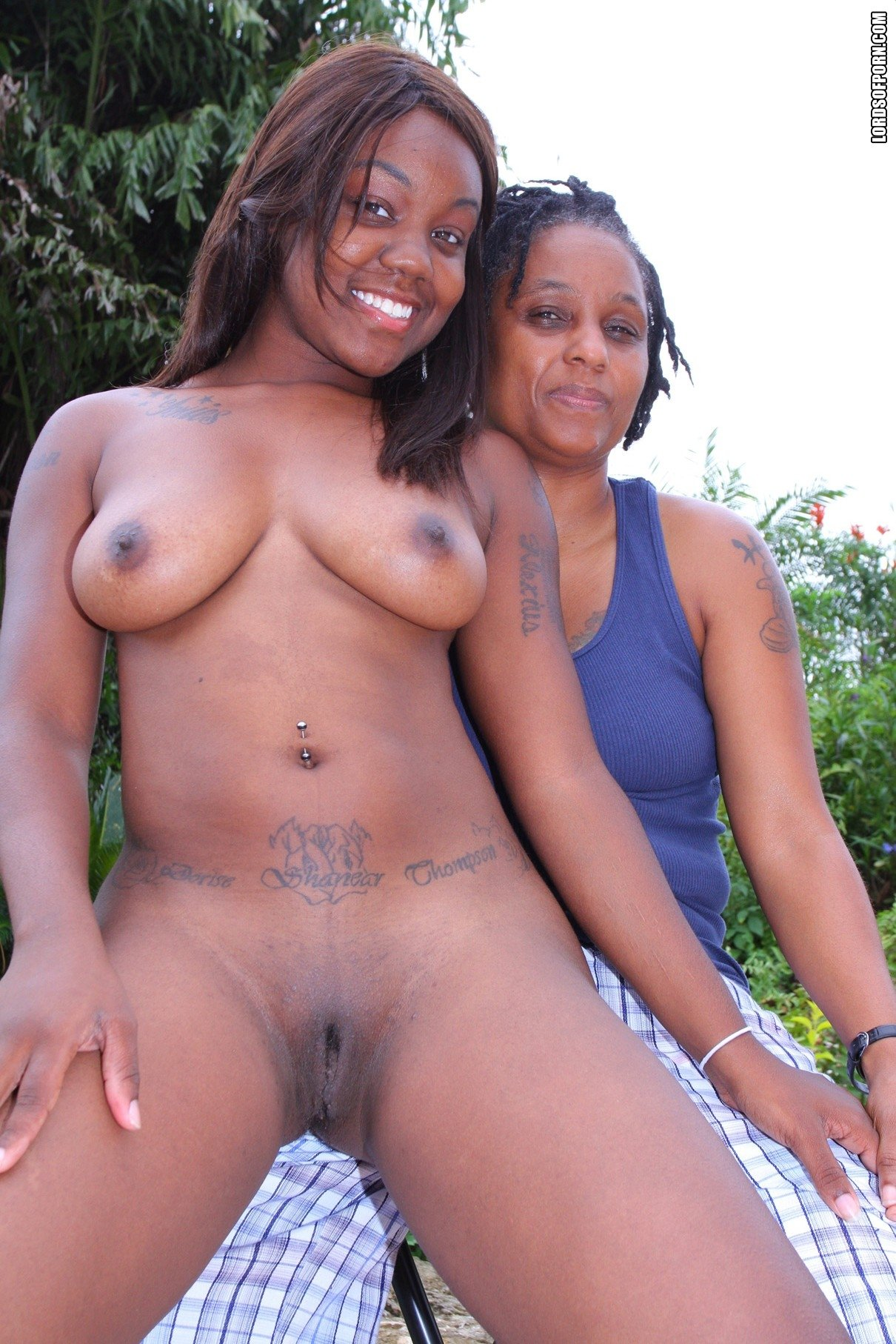 Video lesbian cam Family fuck at home