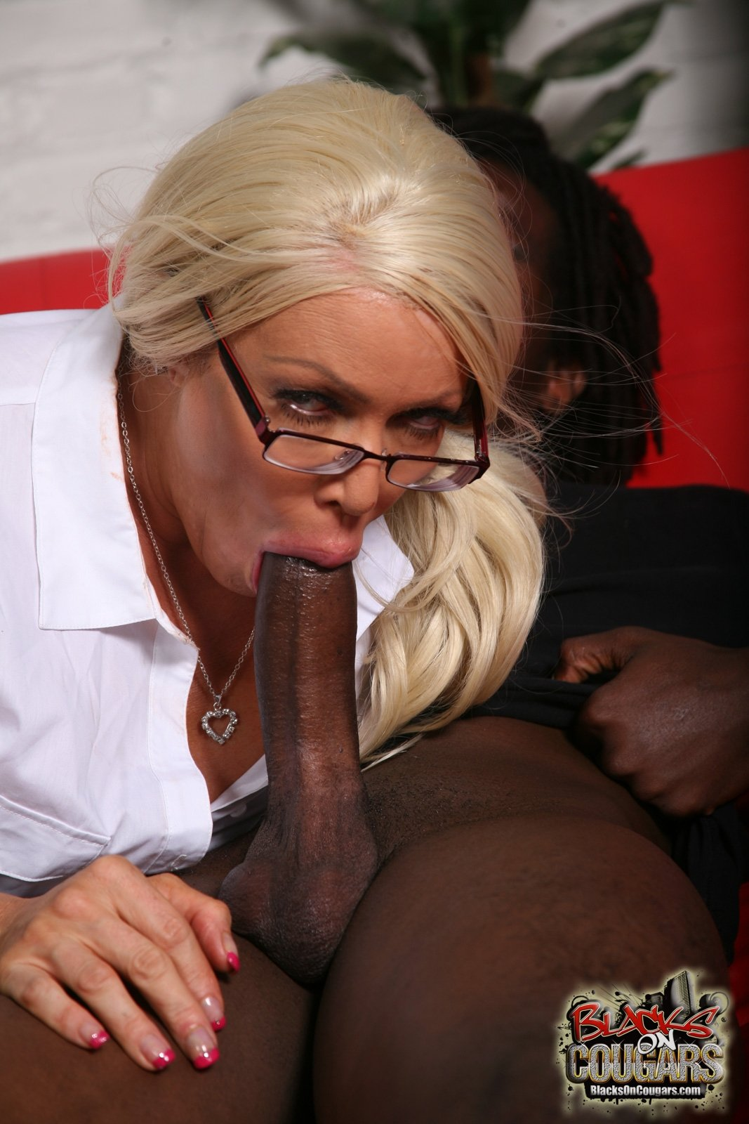 Bitch with sexual makeup gives head before riding up chunky rod there