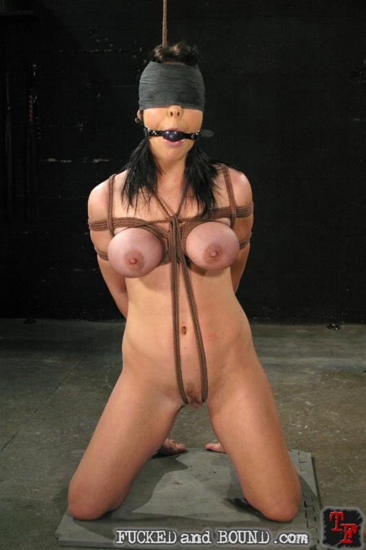Wife takes multiple loads pussy after asian maid tube