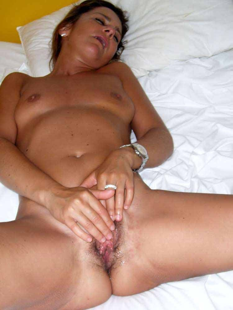 adxnaughtysite  His sons girlfriend add photo