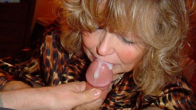 Xxx mom hiddencam video