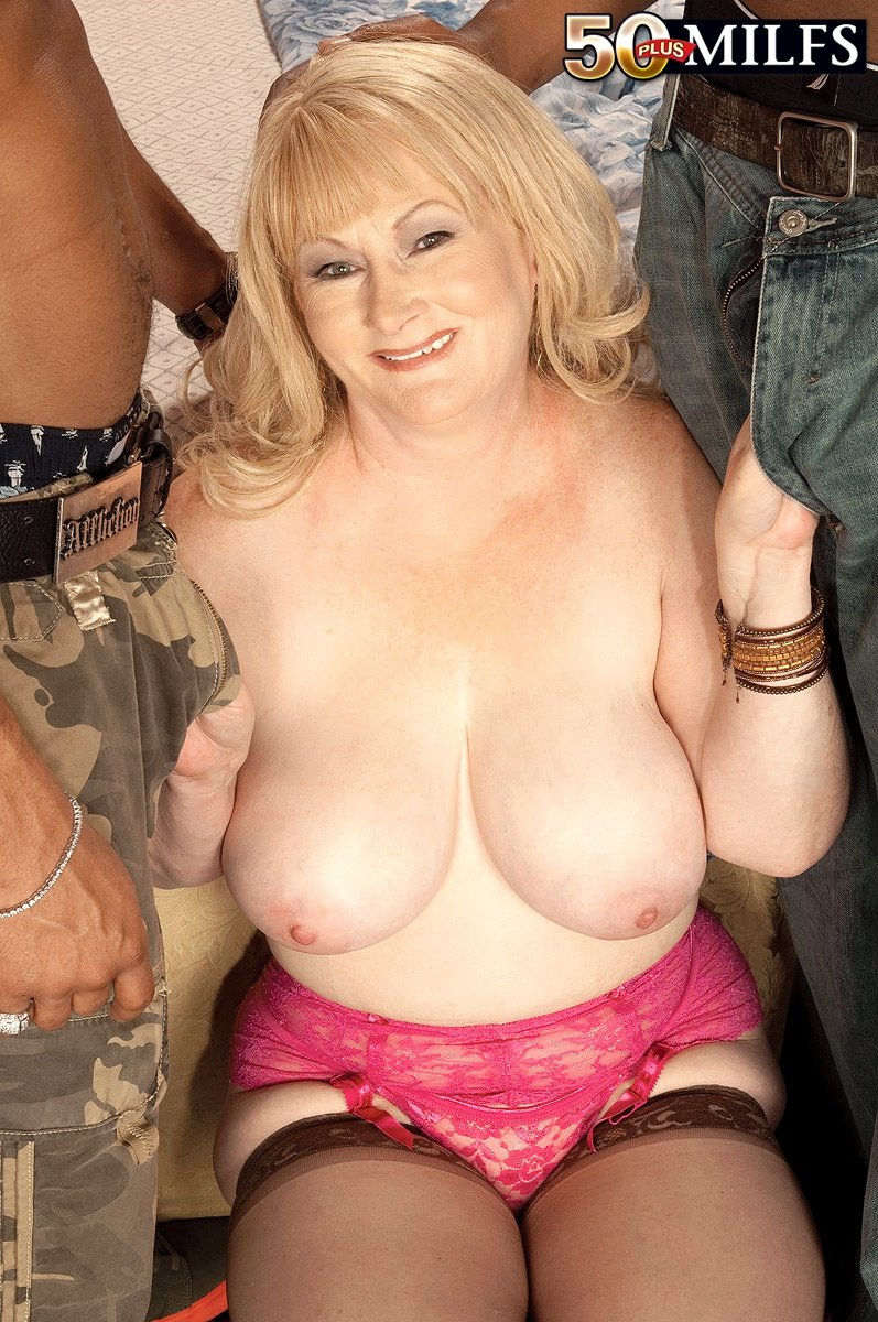 Unfulfilled white wife gets filled with huge bbc