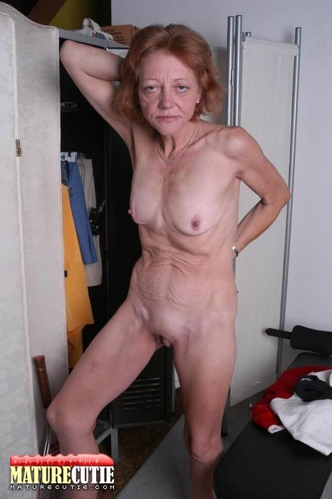 Naked granny group #1