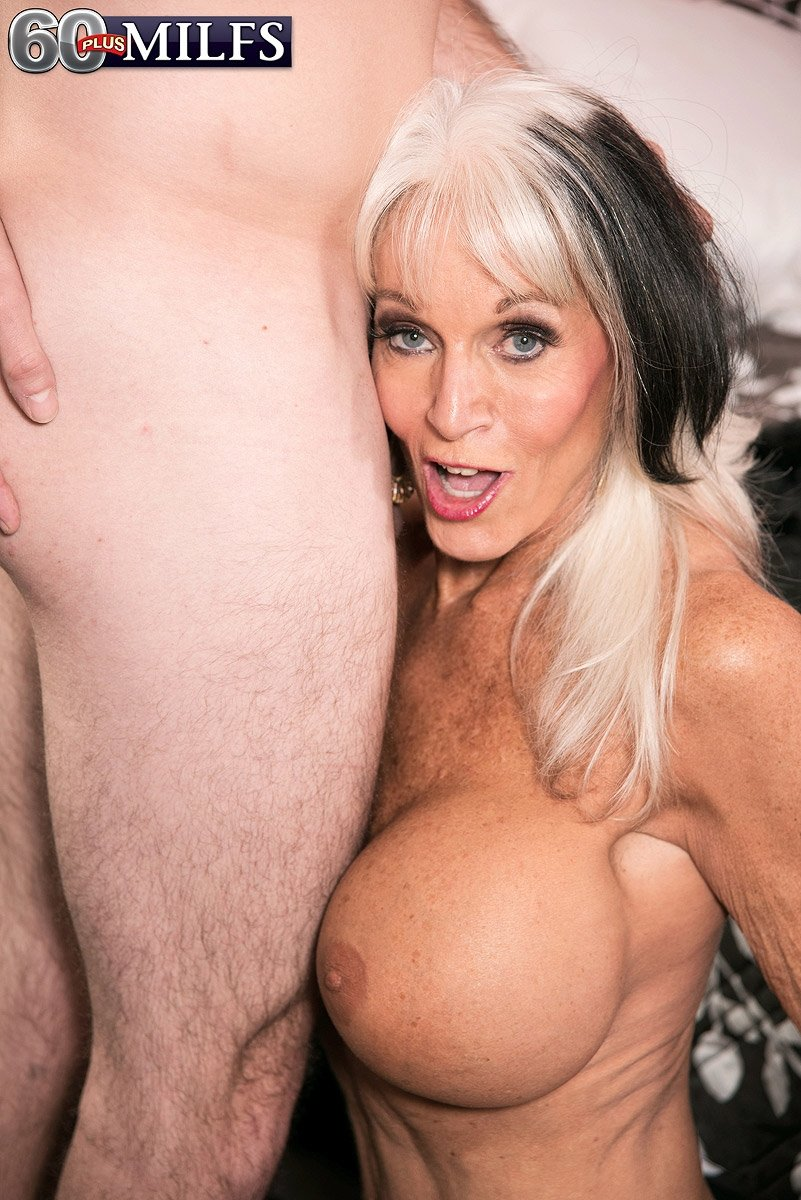 Mature ladies porn photos Assist you to come across family and friends