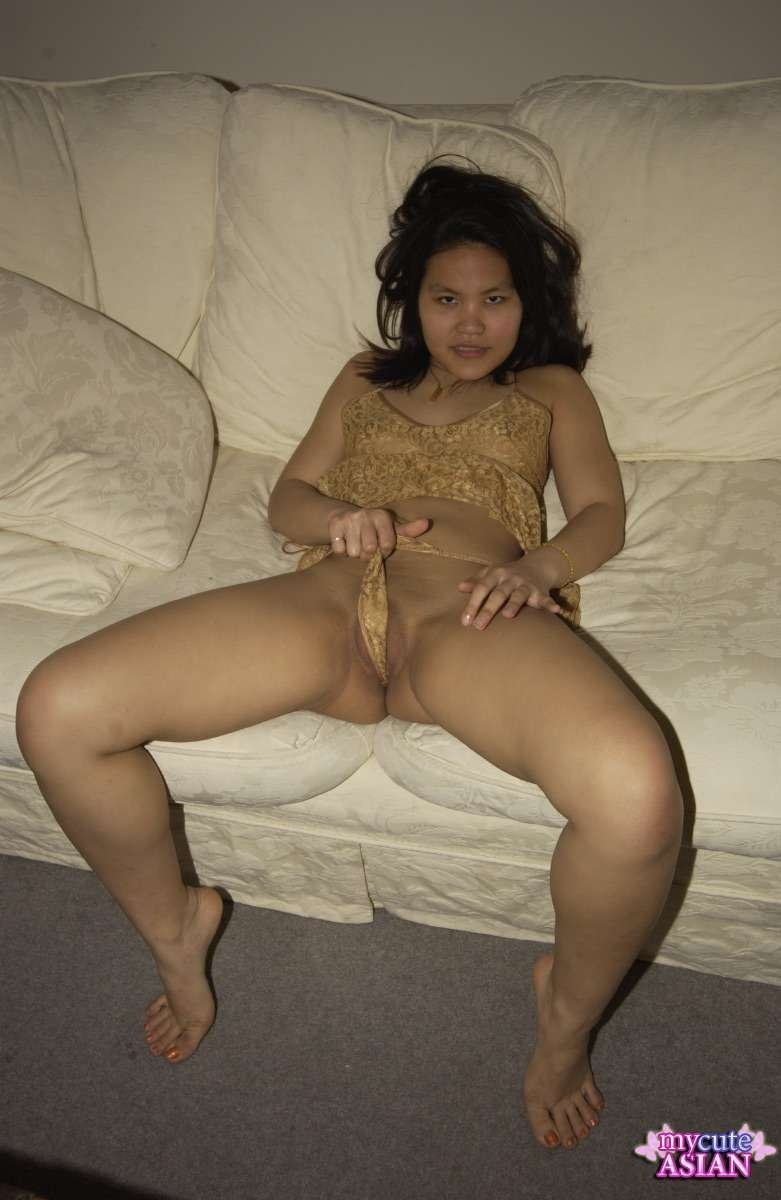 Nude babes legs #1