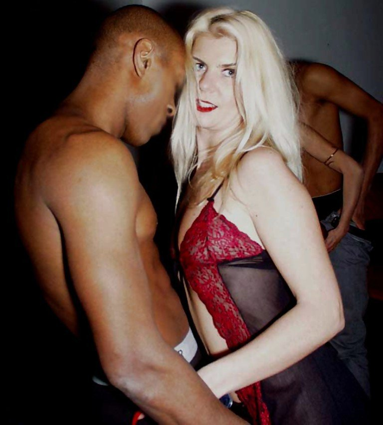 thick mature interracial there