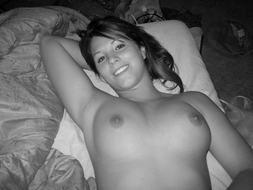 Young putas naked pic porn