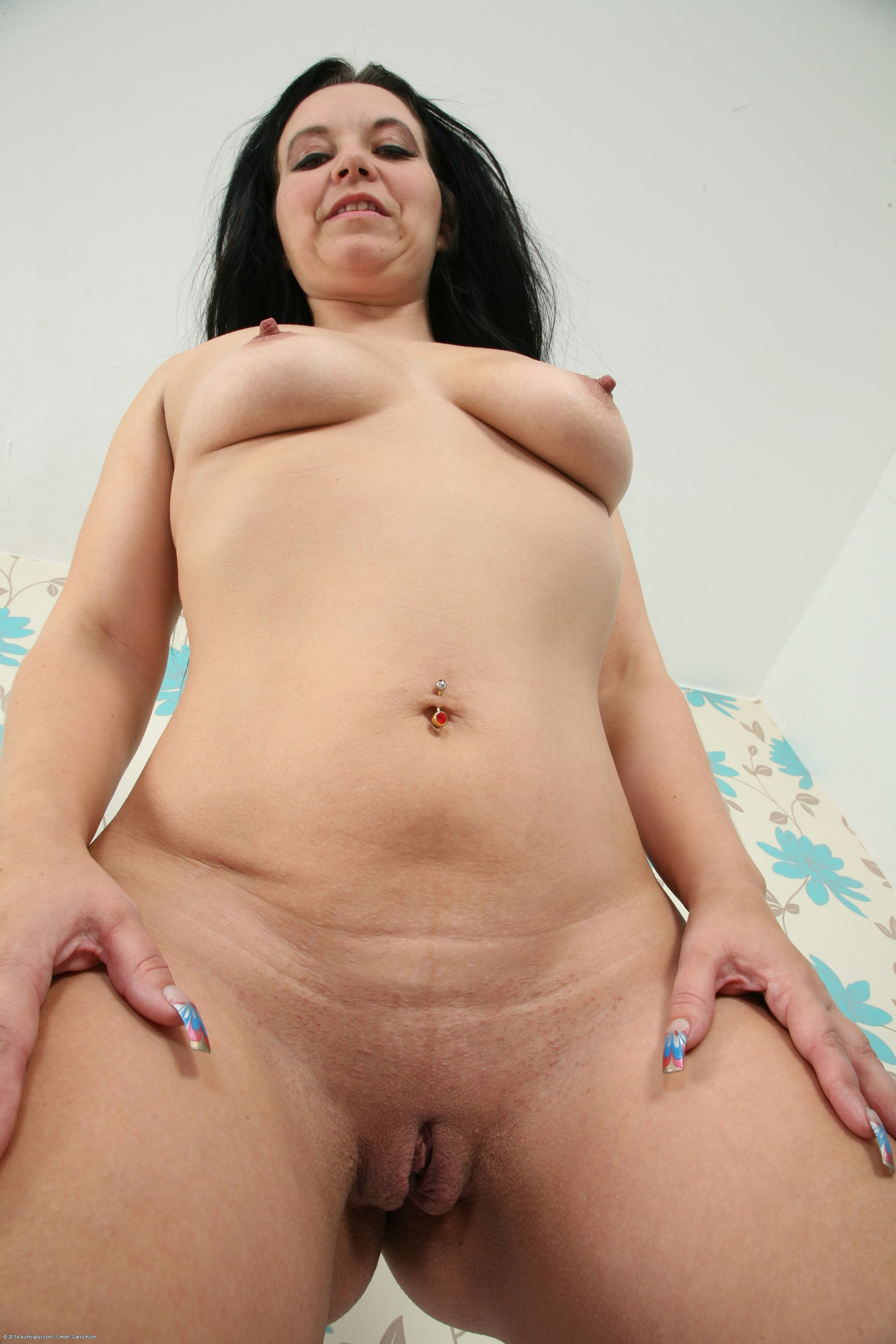 Hot romance kses Thick busty wife craves black