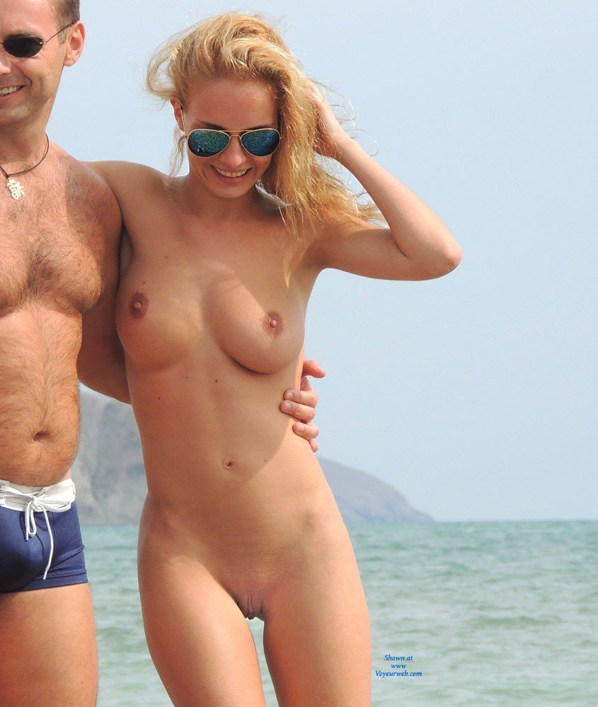 2 naked girls movies beachgirls are not right