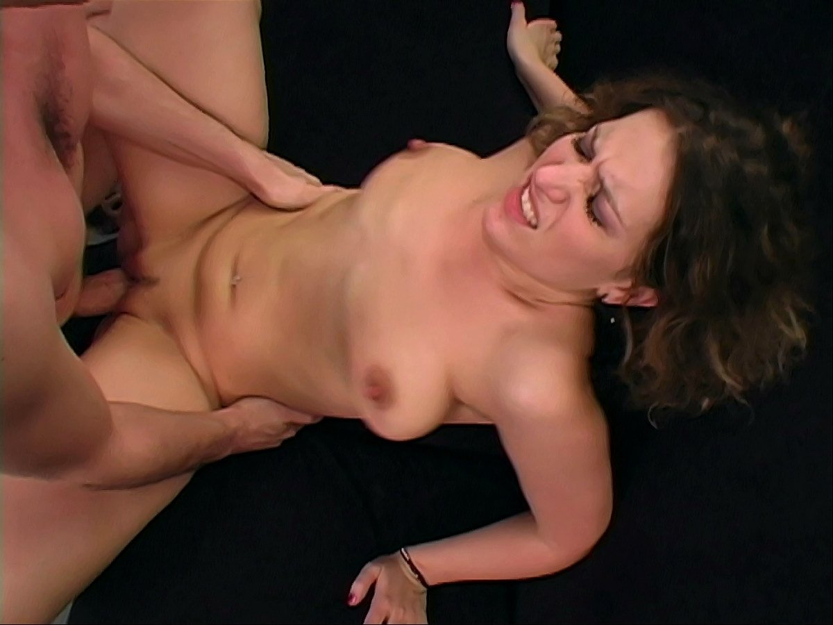 sexy milf loves anal