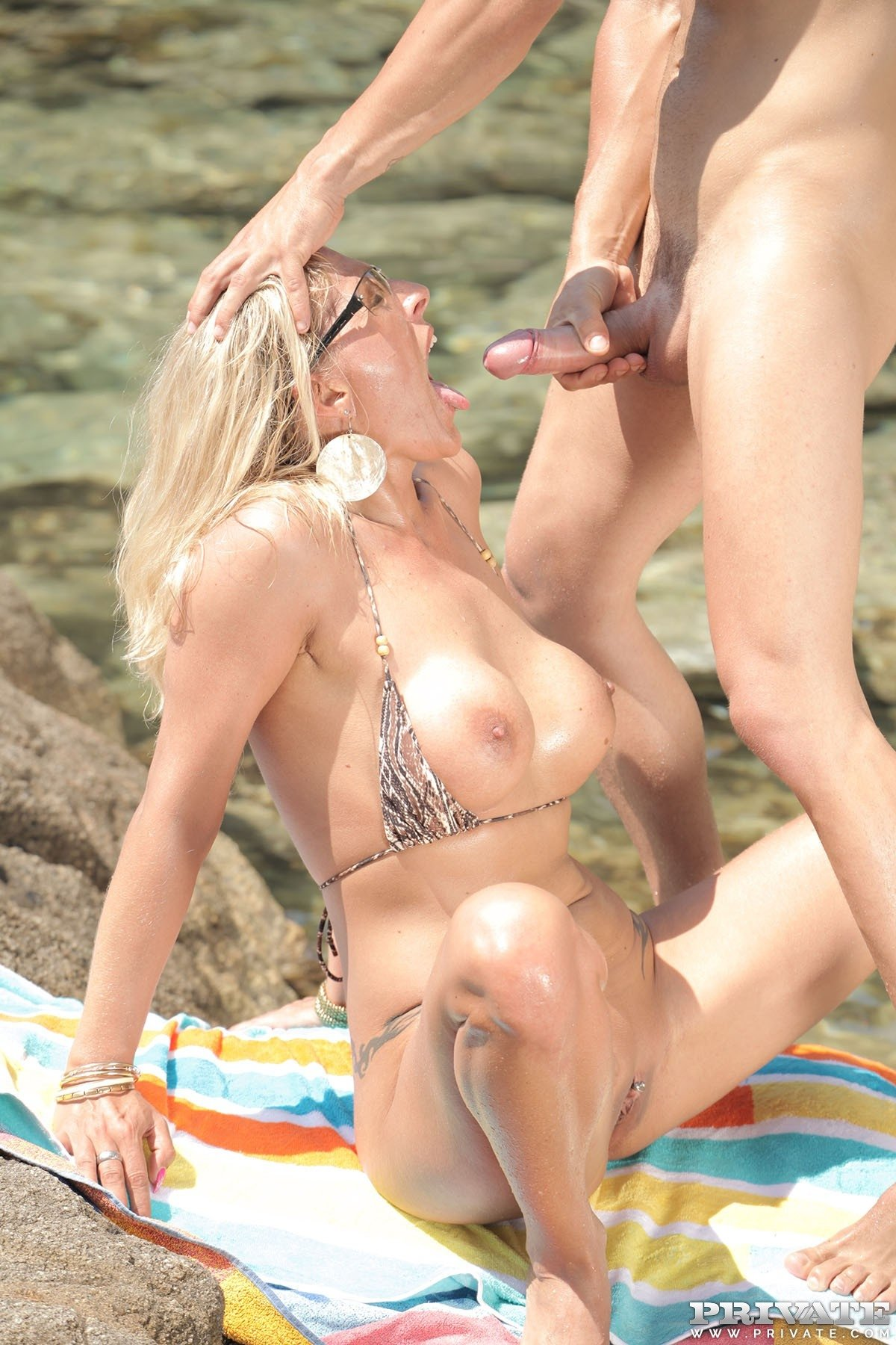 Wife love it beach sexi video