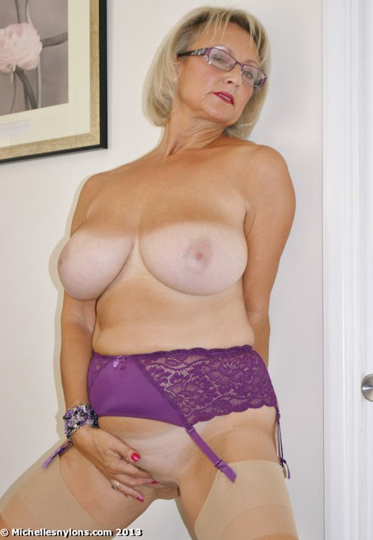 hot vintage wife add photo