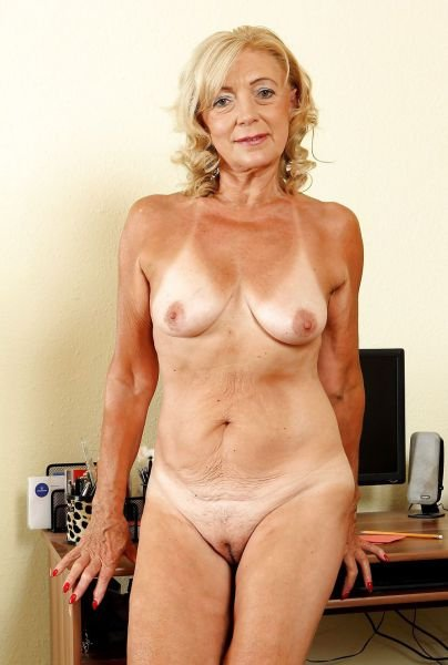 Mature ladies naked videos Let me fuck your wife movies