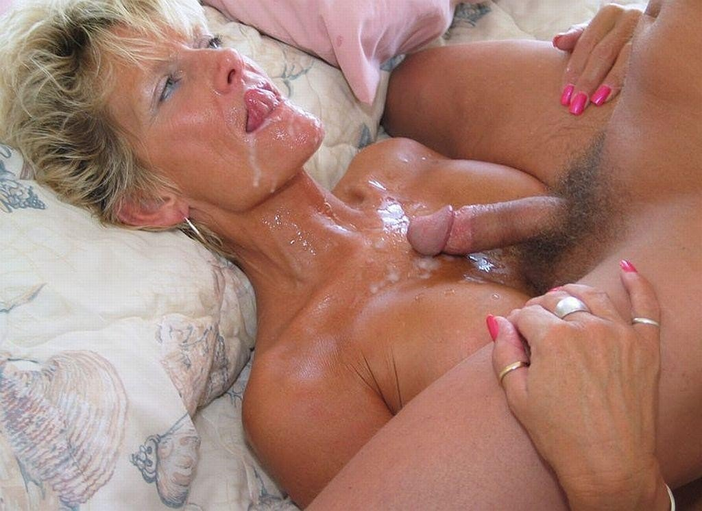 Moms pussy full of sons cum
